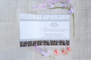 zdjęcie zaproszenia na ślub z koronką